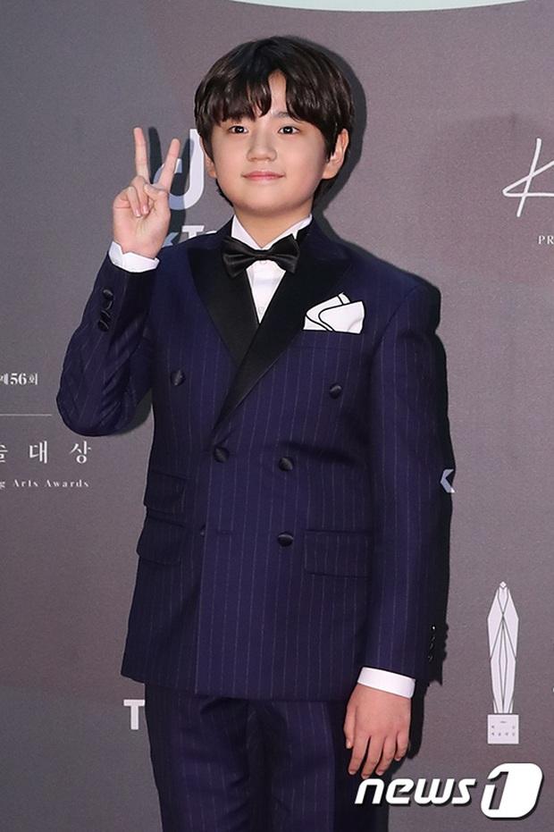 Siêu thảm đỏ Baeksang 2020: Son Ye Jin - Hyun Bin, Park Bo Gum - Suzy thái độ lạ, tiểu tam Thế giới hôn nhân lấn át cả IU, Seohyun - Ảnh 33.