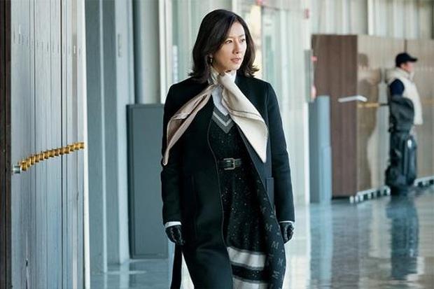 Baeksang 2020 quy tụ toàn quái vật nhưng spotligt dồn sạch vào đôi tình nhân Hyun Bin - Son Ye Jin? - Ảnh 4.