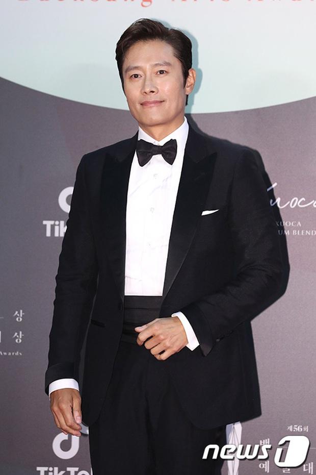 Siêu thảm đỏ Baeksang 2020: Son Ye Jin - Hyun Bin, Park Bo Gum - Suzy thái độ lạ, tiểu tam Thế giới hôn nhân lấn át cả IU, Seohyun - Ảnh 39.
