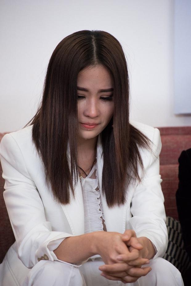 """Loạt khoảnh khắc gây chú ý của Thanh Hằng và Nam Anh: """"Chị chị em em"""" cực thân, còn từng công khai tình cảm trên sóng truyền hình? - Ảnh 5."""