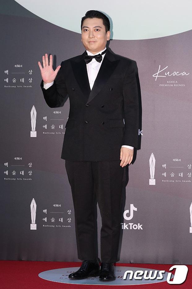 Siêu thảm đỏ Baeksang 2020: Son Ye Jin - Hyun Bin, Park Bo Gum - Suzy thái độ lạ, tiểu tam Thế giới hôn nhân lấn át cả IU, Seohyun - Ảnh 32.