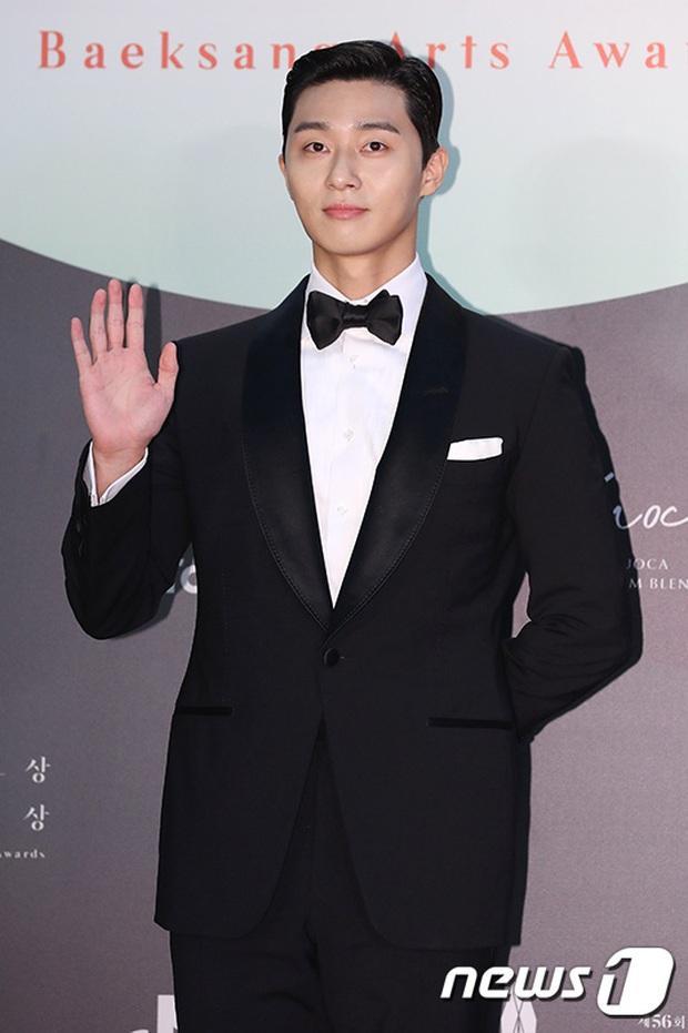 Siêu thảm đỏ Baeksang 2020: Son Ye Jin - Hyun Bin, Park Bo Gum - Suzy thái độ lạ, tiểu tam Thế giới hôn nhân lấn át cả IU, Seohyun - Ảnh 24.