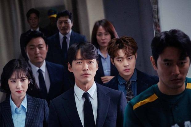 Toàn cảnh Baeksang 2020 hạng mục truyền hình: Hyun Bin - Son Ye Jin hụt hết giải bự, sốc nhất là quả phim hay nhất - Ảnh 3.