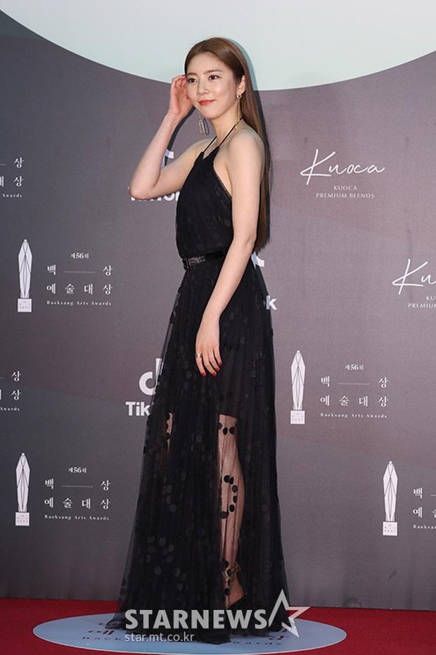 Siêu thảm đỏ Baeksang 2020: Son Ye Jin - Hyun Bin, Park Bo Gum - Suzy thái độ lạ, tiểu tam Thế giới hôn nhân lấn át cả IU, Seohyun - Ảnh 46.