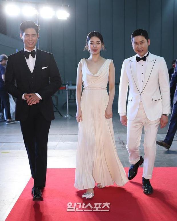 Siêu thảm đỏ Baeksang 2020: Son Ye Jin - Hyun Bin, Park Bo Gum - Suzy thái độ lạ, tiểu tam Thế giới hôn nhân lấn át cả IU, Seohyun - Ảnh 3.