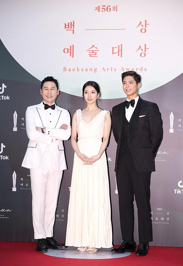 Nhìn dãy ghế của Baeksang 2020 chỉ biết rớt nước mắt: Thế này thì sao Hyun Bin và Son Ye Jin chim chuột đây? - Ảnh 4.