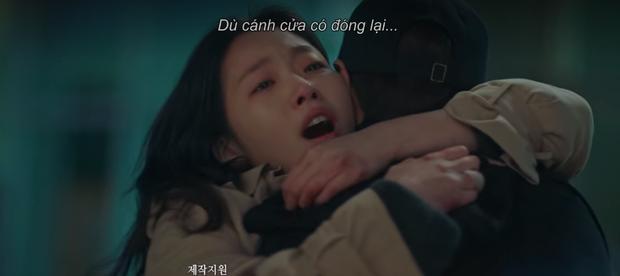 Vừa ngập trong bể tình với Tae Eul hậu xuyên không, Lee Gon đã lại điên cuồng tìm người yêu ở preview tập 15 Quân Vương Bất Diệt - Ảnh 8.