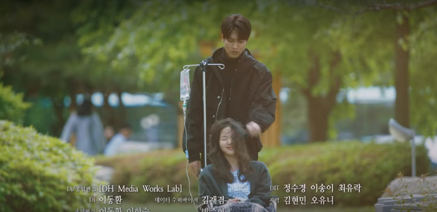 Vừa ngập trong bể tình với Tae Eul hậu xuyên không, Lee Gon đã lại điên cuồng tìm người yêu ở preview tập 15 Quân Vương Bất Diệt - Ảnh 1.