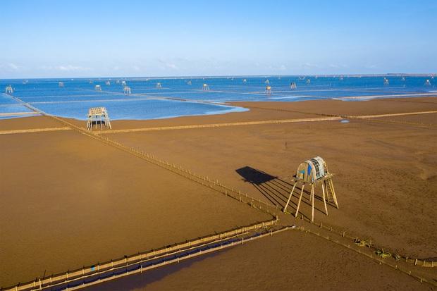"""Thực hư bãi biển được mệnh danh """"Phú Quốc thu nhỏ"""" của miền Bắc: Sao ảnh mạng và ngoài đời khác nhau """"một trời một vực"""" thế nhỉ? - Ảnh 10."""