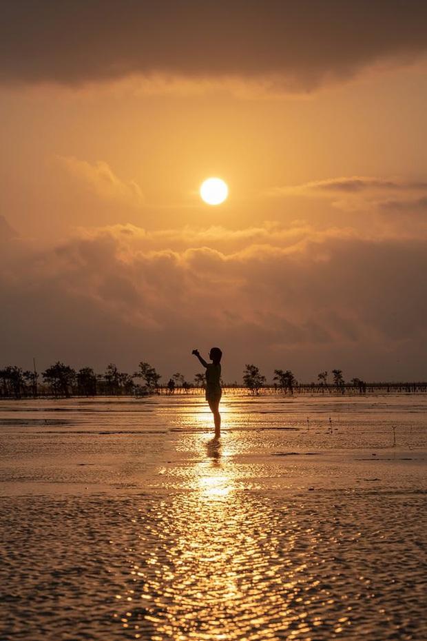 """Thực hư bãi biển được mệnh danh """"Phú Quốc thu nhỏ"""" của miền Bắc: Sao ảnh mạng và ngoài đời khác nhau """"một trời một vực"""" thế nhỉ? - Ảnh 7."""