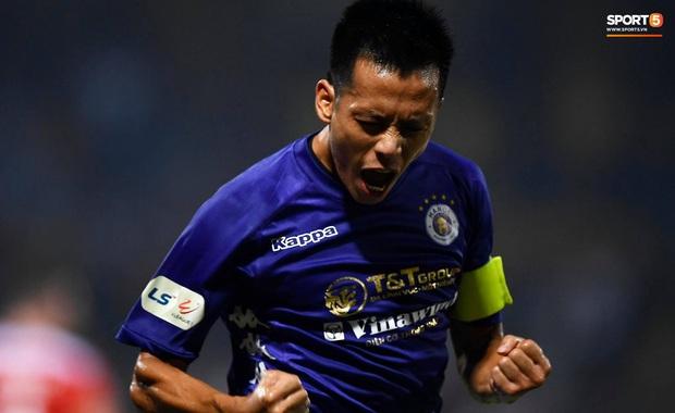 Văn Quyết ghi bàn, Quang Hải năng nổ trong ngày CLB Hà Nội thắng đậm HAGL với tỷ số 3-0 - Ảnh 1.