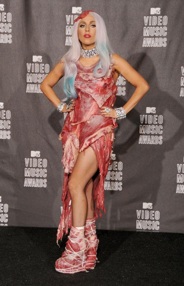 Fan Lady Gaga dậy sóng khi Trấn Thành chia sẻ quan điểm Mẹ Quái Vật không hề thích mặc đồ khùng điên, chỉ làm trò quái dị để được chú ý - Ảnh 3.