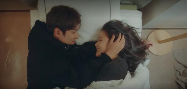 Thính xịn hơn cả hôn cổ, Lee Min Ho ôm ấp dính chặt Kim Go Eun không rời ở tập 15 Quân Vương Bất Diệt - Ảnh 2.