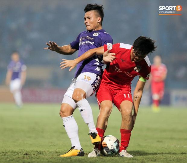 Tuấn Anh chán chường, mệt mỏi sau khi HAGL bị Hà Nội FC hành hạ suốt 90 phút - Ảnh 5.