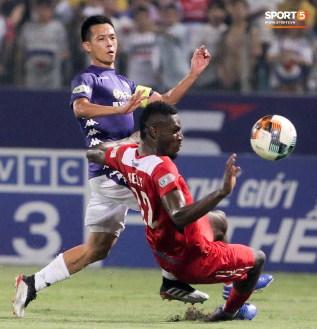 Tuấn Anh chán chường, mệt mỏi sau khi HAGL bị Hà Nội FC hành hạ suốt 90 phút - Ảnh 7.