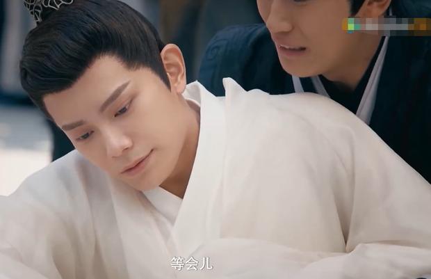 Bi hài chuyện đóng phim của nam chính Trần Thiên Thiên Trong Lời Đồn: Trong lúc bối rối nhai luôn cả đạo cụ, ơ kìa anh - Ảnh 3.