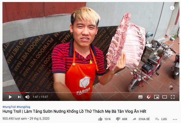 Sau nhiều lần bị ném đá vì dùng tay trần chế biến đồ ăn, con trai Bà Tân Vlog đáp trả một câu khiến dân tình nghe xong càng thấy vô lý hơn - Ảnh 4.