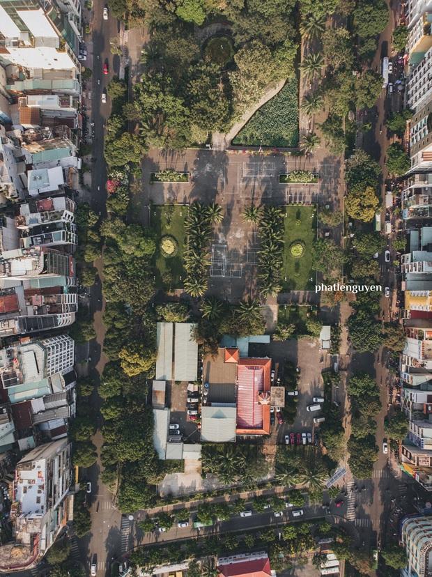 """Không tin vào mắt mình trước bộ ảnh chụp Sài Gòn từ trên cao đang """"gây bão"""" MXH: Xem hình, bạn đoán được đúng tên bao nhiêu địa điểm? - Ảnh 16."""