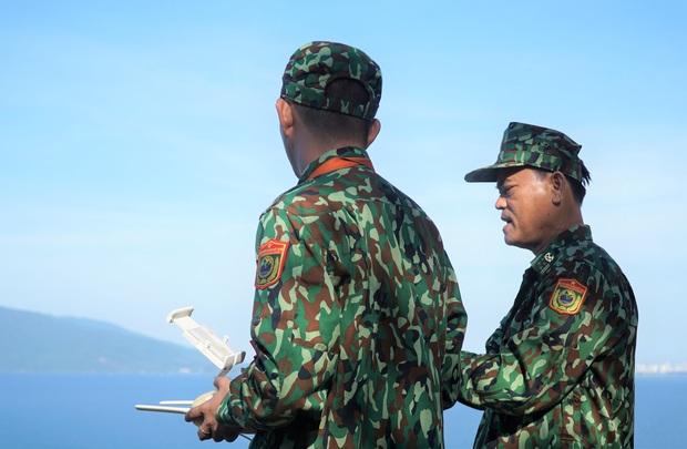 Biên phòng Đà Nẵng dùng flycam truy tìm tên tội phạm đặc biệt nguy hiểm 2 lần vượt ngục - Ảnh 5.