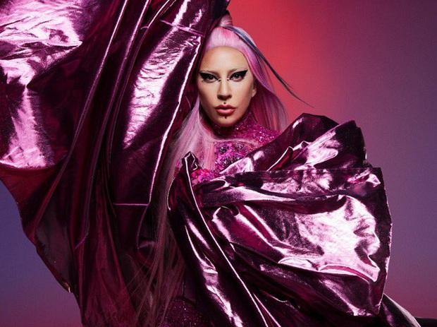 Fan Lady Gaga dậy sóng khi Trấn Thành chia sẻ quan điểm Mẹ Quái Vật không hề thích mặc đồ khùng điên, chỉ làm trò quái dị để được chú ý - Ảnh 2.