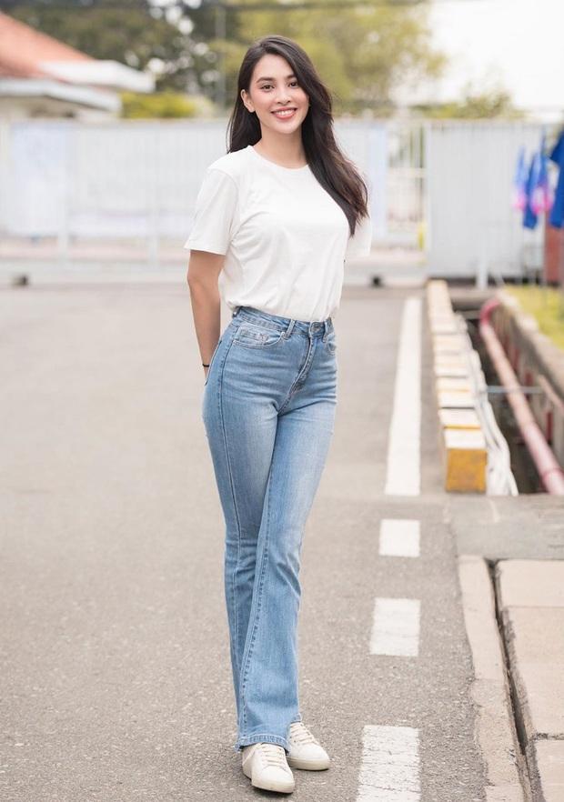 10 cách mix áo phông vừa đẹp vừa mát như sao Việt, toàn kiểu đơn giản mà nàng nào cũng có thể học theo - Ảnh 1.