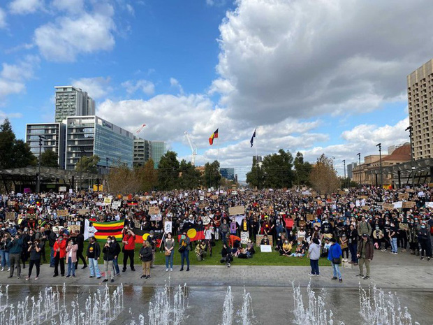 Biểu tình phản đối phân biệt đối xử lan rộng hầu khắp Australia - Ảnh 1.