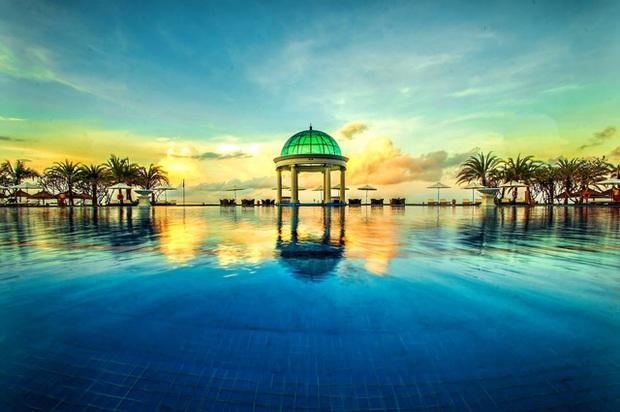 6 resort 5 sao sở hữu hồ bơi độc đáo bậc nhất đảo ngọc Phú Quốc đang có giá rẻ, giảm sâu đến không ngờ: Còn gì tuyệt hơn ngắm hoàng hôn, đắm mình trong làn nước xanh trong vắt - Ảnh 14.