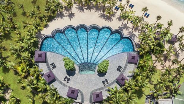 6 resort 5 sao sở hữu hồ bơi độc đáo bậc nhất đảo ngọc Phú Quốc đang có giá rẻ, giảm sâu đến không ngờ: Còn gì tuyệt hơn ngắm hoàng hôn, đắm mình trong làn nước xanh trong vắt - Ảnh 24.