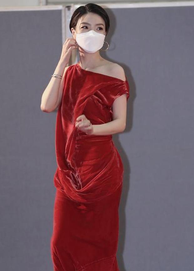 """Khoảnh khắc nữ diễn viên """"Reply 1997"""" chửi thề khi hụt giải tại Baeksang 2020 gây bão, nhưng sao Knet khó tính lại thích thú thế này? - Ảnh 6."""