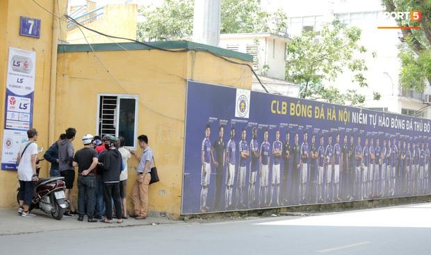 CĐV Hà Nội FC phản bác ý kiến chỉ có HAGL mới đông khán giả, sẵn sàng cho màn trình diễn đẹp mắt tại Hàng Đẫy - Ảnh 6.