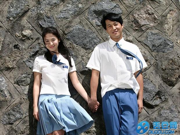 Nhìn lại những lần Song Hye Kyo mặc đồng phục, giản dị từ tóc tai đến makeup để thấy thế nào là nhan sắc đi vào huyền thoại - Ảnh 6.