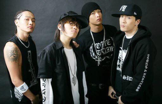 """Thành viên boygroup đình đám Gen 1 chuyển hướng thành producer nổi tiếng: Cứ ra nhạc là thành hit, được mệnh danh là """"phù thủy âm nhạc"""" của Kpop - Ảnh 2."""