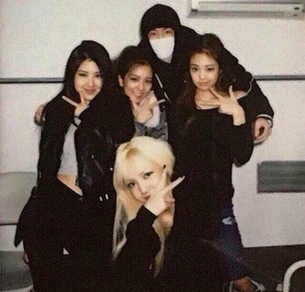 """Thành viên boygroup đình đám Gen 1 chuyển hướng thành producer nổi tiếng: Cứ ra nhạc là thành hit, được mệnh danh là """"phù thủy âm nhạc"""" của Kpop - Ảnh 10."""