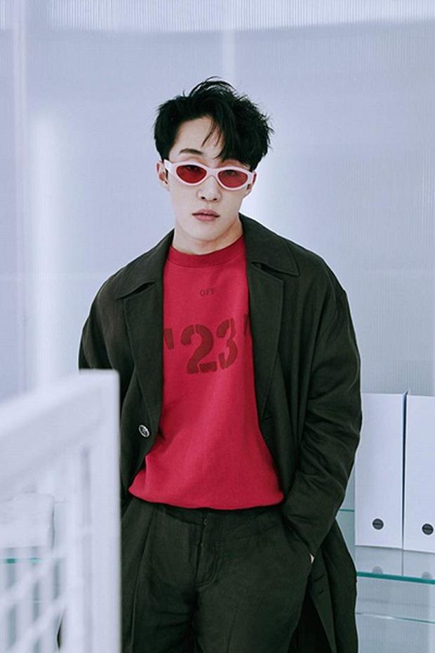 """Thành viên boygroup đình đám Gen 1 chuyển hướng thành producer nổi tiếng: Cứ ra nhạc là thành hit, được mệnh danh là """"phù thủy âm nhạc"""" của Kpop - Ảnh 11."""