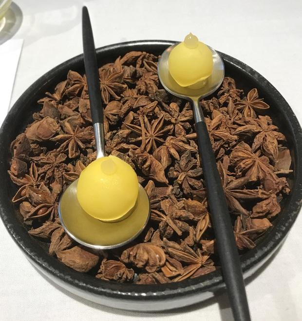 """Giờ mới biết những món ăn như thế nào mới đủ điều kiện đạt sao Michelin danh giá: Ngon hay không chưa rõ, đầu tiên phải """"độc"""" cái đã! - Ảnh 25."""