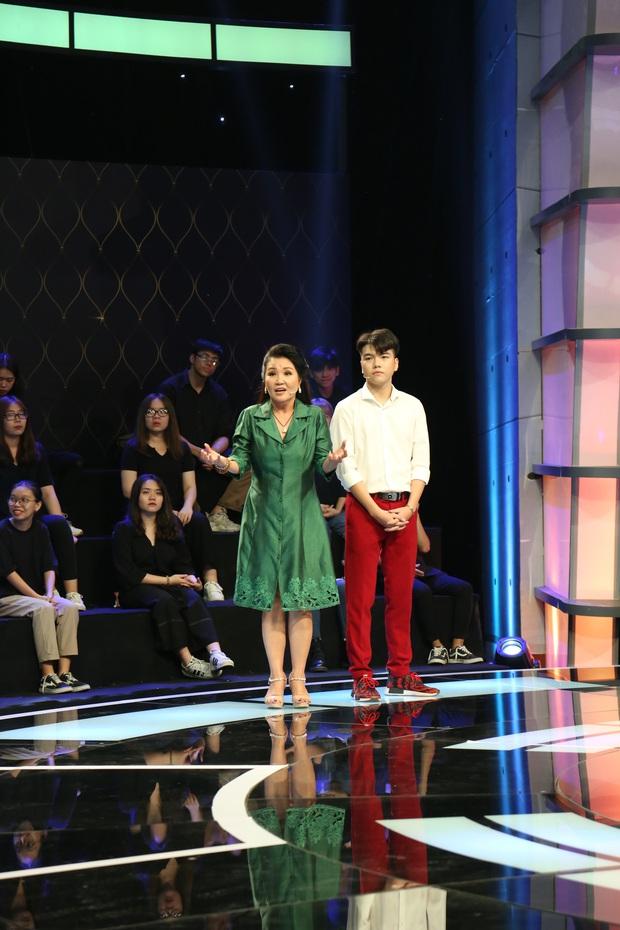 Đan Lê khoe vẻ trẻ trung hack tuổi khi làm đội trưởng trên show thực tế - Ảnh 1.