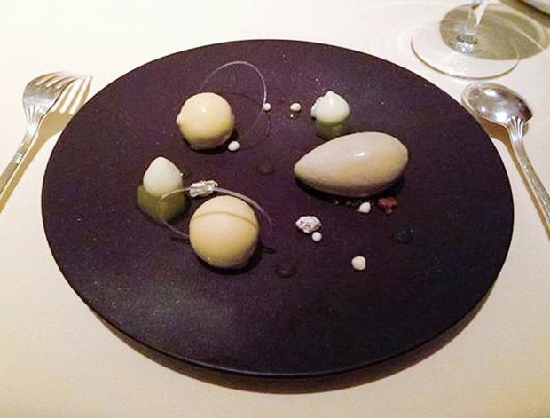 """Giờ mới biết những món ăn như thế nào mới đủ điều kiện đạt sao Michelin danh giá: Ngon hay không chưa rõ, đầu tiên phải """"độc"""" cái đã! - Ảnh 11."""