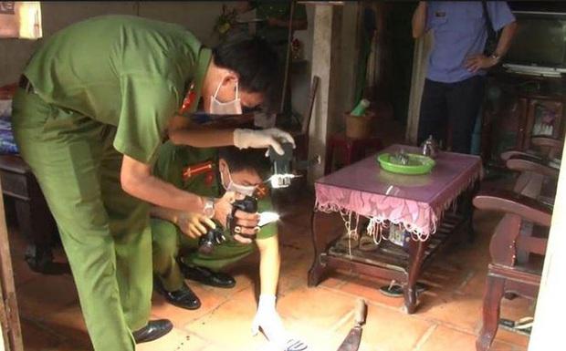 Phát hiện cặp vợ chồng tử vong bất thường trong căn nhà khoá trái cửa ở Tuyên Quang - Ảnh 1.