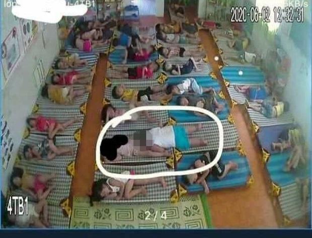 Vụ bé trai lớp mầm non có hành động nhạy cảm với bé gái trong giờ ngủ trưa: Thông báo kết luận của Chủ tịch UBND huyện  - Ảnh 1.