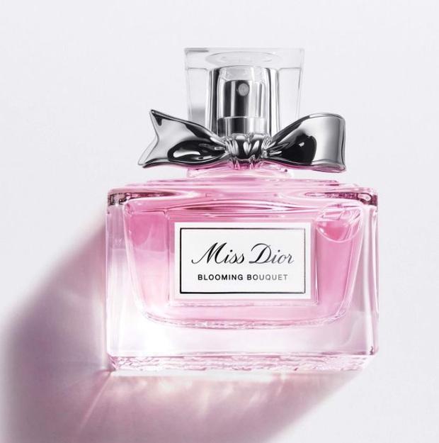 Gợi ý 10 chai nước hoa mùa Hè, mùi thơm mát hương hoa cỏ và không quá nồng - Ảnh 4.