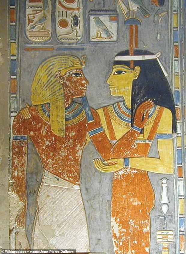 Đưa xác ướp 3.000 năm tuổi của công chúa Ai Cập ra khỏi quan tài, phát hiện bức chân dung bí ẩn cùng hàng loạt câu hỏi chưa có lời giải đáp - Ảnh 4.