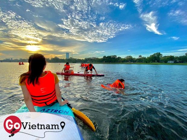 Lướt ván đứng trên dòng sông Hương: Một trải nghiệm khác biệt để cảm nhận nét sôi động của cố đô Huế - Ảnh 6.