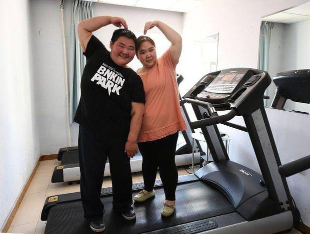 Chuyện lạ ở Tứ Xuyên: Kết duyên vì muốn cùng nhau giảm cân, nào ngờ sau vài năm hai vợ chồng đều nặng gần 200kg - Ảnh 3.