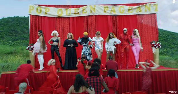 Xôn xao bức ảnh tiên tri: Những màn kết hợp khó tin đều đã thành sự thật, sắp tới là Adele và Cardi B, Taylor Swift sẽ collab với Beyoncé? - Ảnh 1.