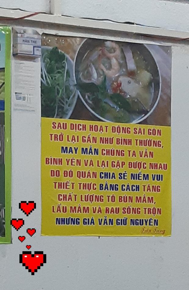Cử chỉ ấm lòng của quán bún mắm ở Sài Gòn trong thời kì khó khăn khiến ai cũng cảm kích - Ảnh 1.