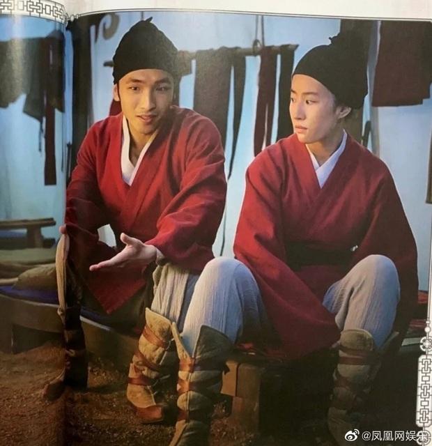 Mulan Lưu Diệc Phi thần thái ngút ngàn trong bộ ảnh mới, netizen phấn khích: Ai chê chị đơ ra đây xem nào! - Ảnh 10.