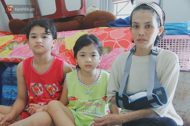 Chồng bỏ đi biệt tích, người mẹ trẻ một nách nuôi 2 con thơ dại với đôi tay hoại tử đã cắt bỏ một bên - Ảnh 8.