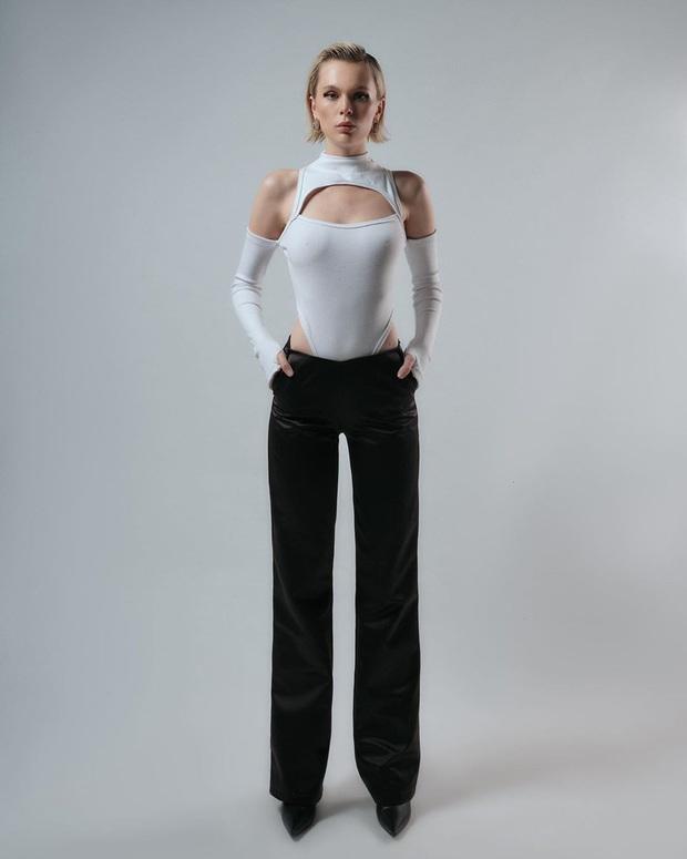 Loạt hot item đang được hội gái xinh sành mặc Vbiz thi nhau diện hóa ra toàn món dễ sắm, lại có giá cực kỳ phải chăng - Ảnh 3.