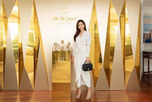 Hiếm lắm mới thấy Hà Tăng đi giày hiệu, hóa ra là đôi giày lưới mũi vuông hot hit giá 18 triệu đang khiến hội sành mốt chao đảo  - Ảnh 1.