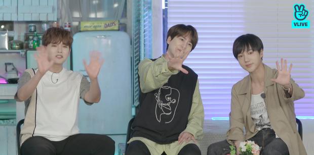 Bộ ba K.R.Y chính thức tung album đầu tay, tiết lộ phản ứng của Siwon và các thành viên Super Junior khi trở lại sau 14 năm debut - Ảnh 2.
